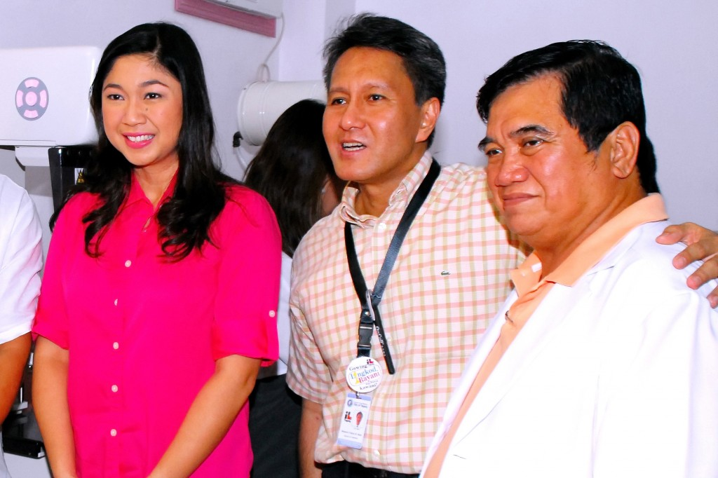 Taguig Mayor Lani Cayetano, Dr. Roberto Abat Medical Director of Taguig Pateros District Hospital and Dr. Isaias Ramos Chief  of the Taguig City Health Office